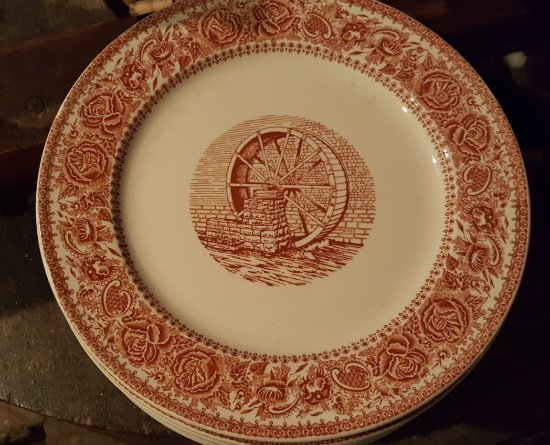 Warm Springs, Вирджиния: One of the original plates made for the restaurant