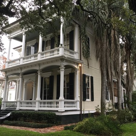 Garden district new orleans all you need to know before you go with photos tripadvisor for Best hotels in garden district new orleans