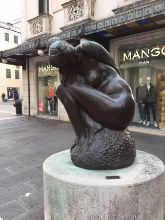 Emilio Greco - Grande Figura Accoccolata