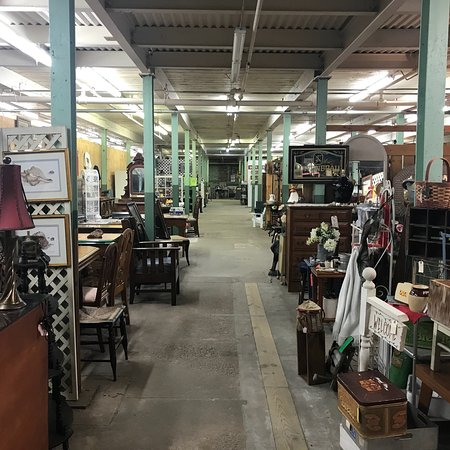 Ian Henderson's Antique Mall
