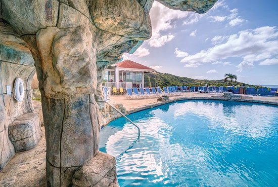 Bluebeard's Castle Resort: Pool