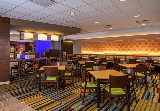 Fairfield Inn Suites Pittsburgh North Mccandless Crossing Restaurant