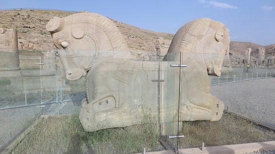 アルタクセルクセス2世王墓から...