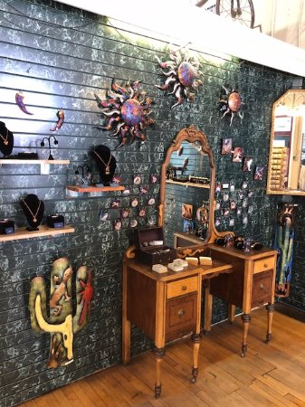 Jerome, AZ: Front room and gift shop