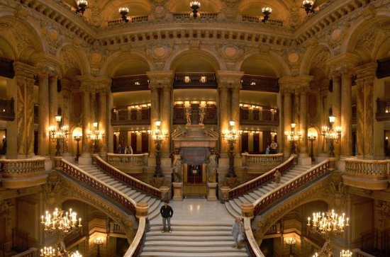 Secret Paris Walking Tour with Palais...