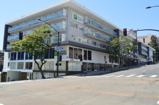 Convenient Location Friendly Staff Review Of Holiday Inn Express San Go Downtown Tripadvisor