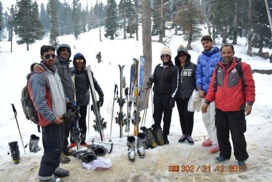 snow ski in gulmarg