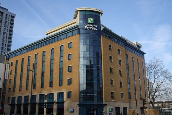 Holiday Inn Express London Stratford: Exterior