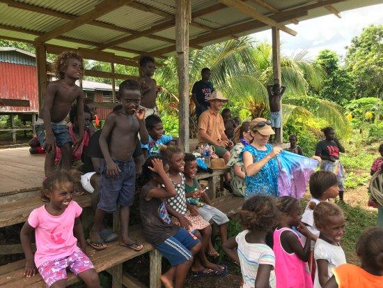 Ramata Island, Solomon Islands: Meeting the village kids