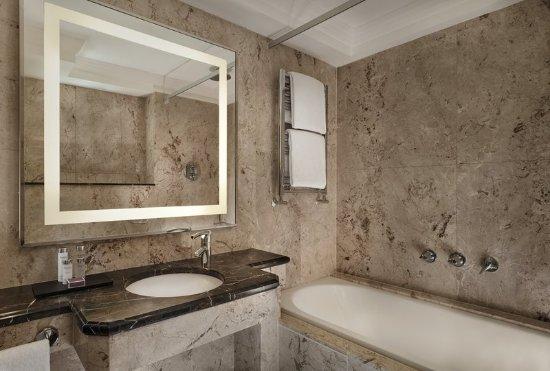 The Westbury Mayfair: Guest room amenity