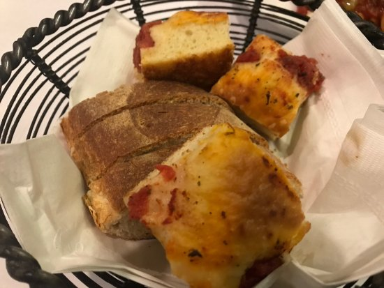 Harwood Heights, IL: Unlimited bread that was more like bruschetta