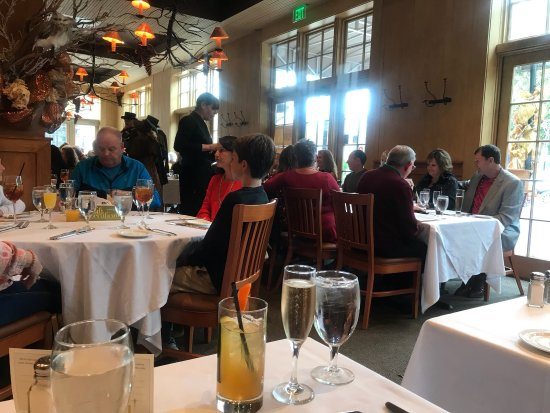 Jackson's Steakhouse: Caroling, great food, excellant service! Well done! Thanks, Romeo! A great event and wonderful c