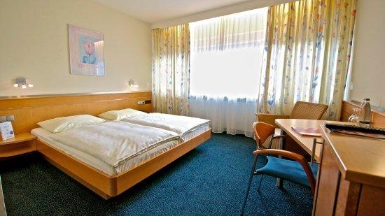 Hotel Braun - Art Hotel: Guest room