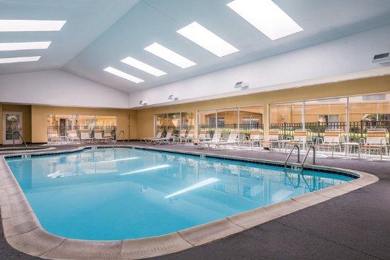 Pool picture of la quinta inn suites university area chapel hill durham tripadvisor for Durham university swimming pool