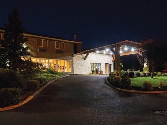 La Quinta Inn & Suites Woodburn: Exterior