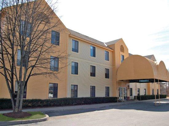 La Quinta Inn & Suites South Burlington: Exterior