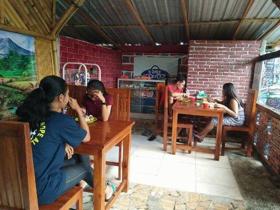 Pekutatan, Indonesia: Airy well lit, dining