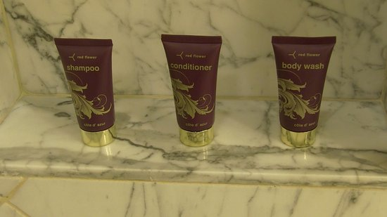 Fairmont Grand Del Mar : Body washes.