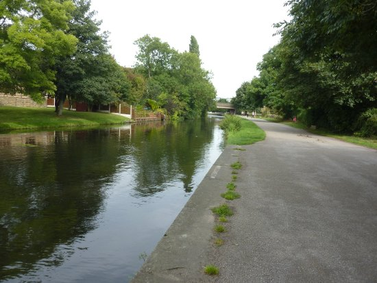 Leeds and Liverpool Canal: のどかなキャナル