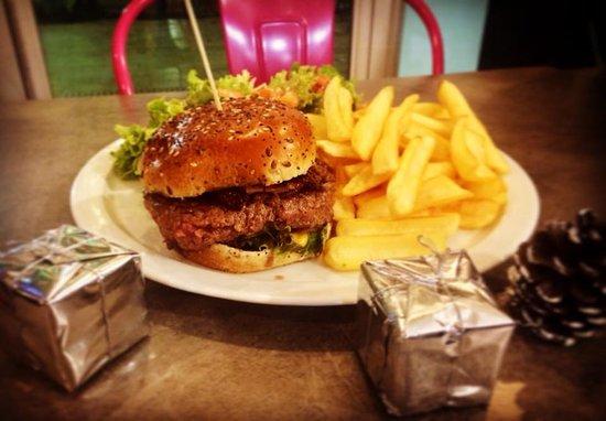 Carnoux-en-Provence, France: Burger