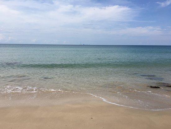LaLaanta Hideaway Resort: Stunning beach.