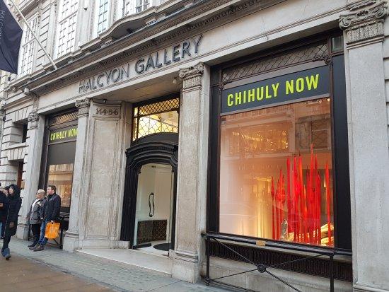 Bond Street : Art galleries