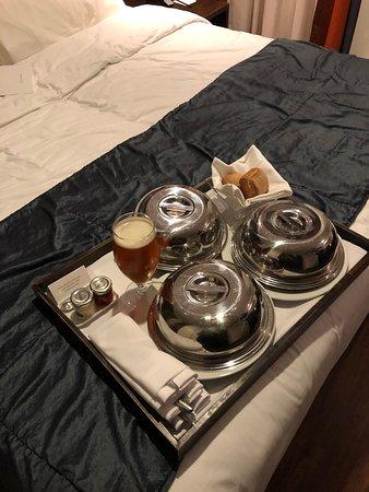 Hotel The Caesar : Room service