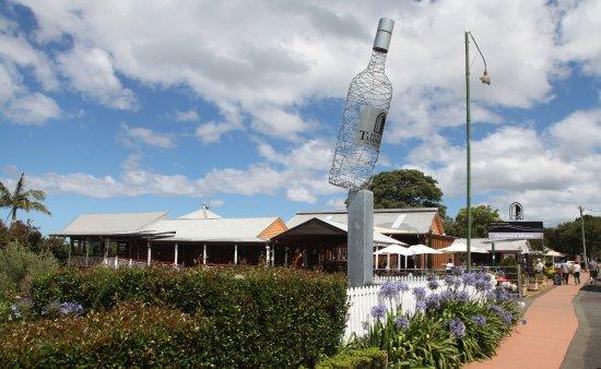 Tamborine wine tours