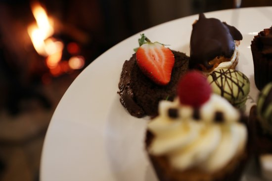 Betchworth, UK: Our lovely cakes for Afternoon Tea