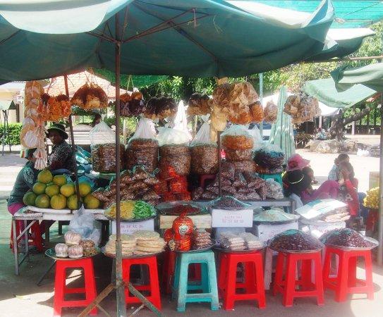 Skun, Καμπότζη: La fruta era muy rica