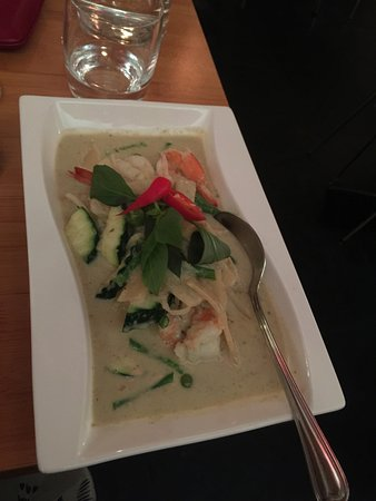 Kinnaree Thai Cuisine: groene curry met garnalen