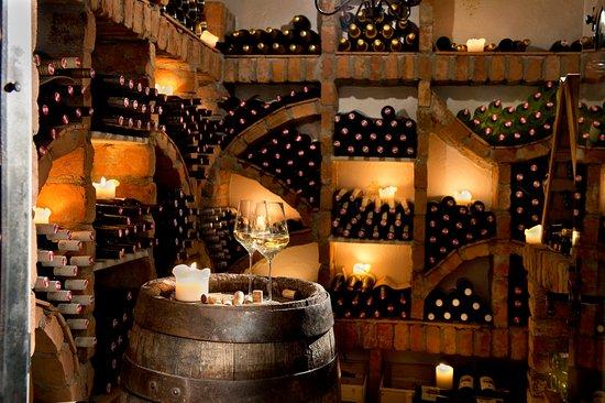 St.Lorenzen, Oostenrijk: Weinkeller
