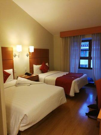 XIMA Cusco Hotel: such big beds