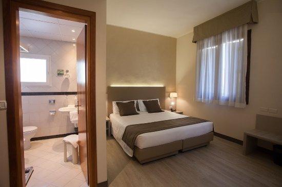 Ai Pini Park Hotel: Camera standard