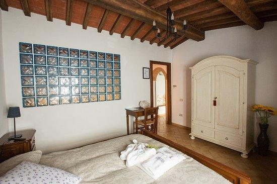 Vicchio, Italia: Camera Matrimoniale Meriggio