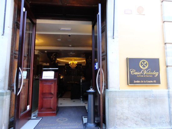 Hotel Boutique 1850: Breakfast begins at 9 am