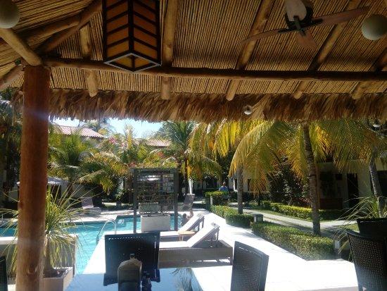 El Tunco, Le Salvador : View from the bar.