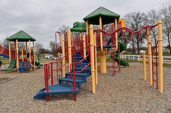 Pinckneyville, IL: Play structures at the City Park