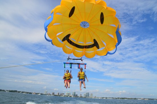 Miami Watersports No Better Way To View Beach Then From The Sky Parasailing