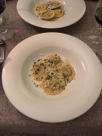 Restaurant Pizzeria Samyr : Teigtaschen mit Steinpilzfüllung