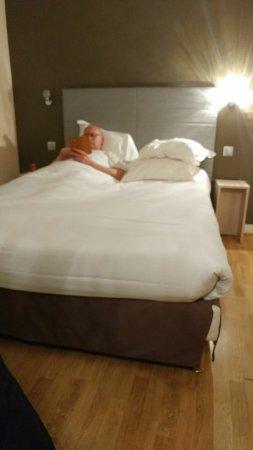 Hotel Paris Legendre: IMG-20171230-WA0000_large.jpg