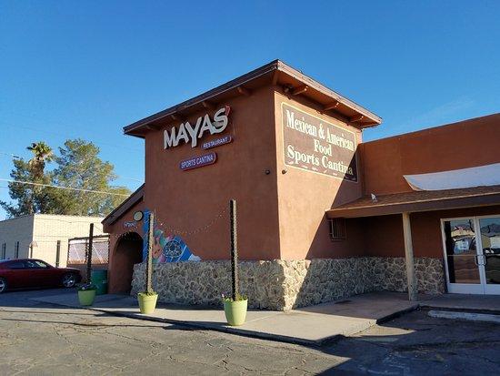 Mayas Restaurant and Sports Cantina: Exterior