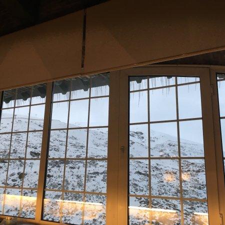 Hotel Ziryab: Me ha encantado!! Unas vistas maravillosas, la decoración típica de montaña. Hemos estado dos no
