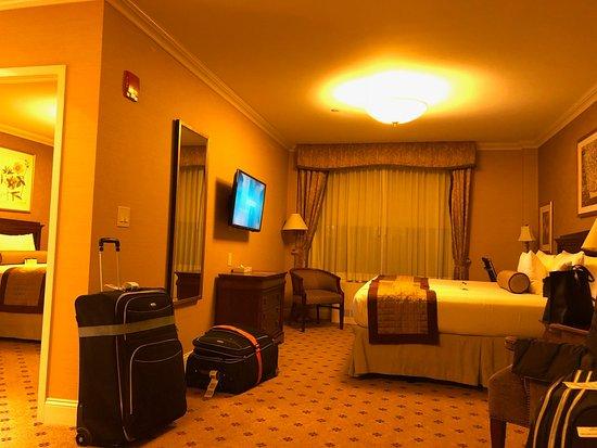 Wellington Hotel Photo