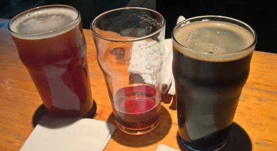 Taps On Queen Brewhouse and Grill: IPA, Red Ale, Porter