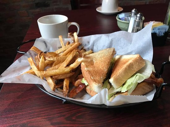 Circleville, OH: BLT with Fries