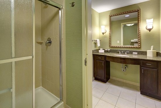 Homewood Suites West Palm Beach: Guest bathroom