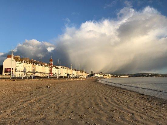 St. Johns Guest House: Weymouth beach