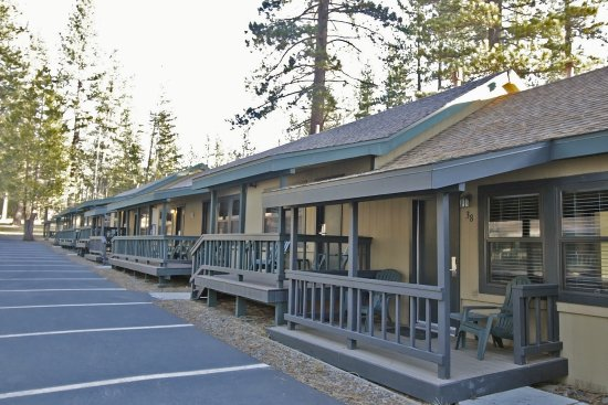 Franciscan Lakeside Lodge: Forest side cabins
