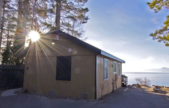 Franciscan Lakeside Lodge: Lakefront cabins